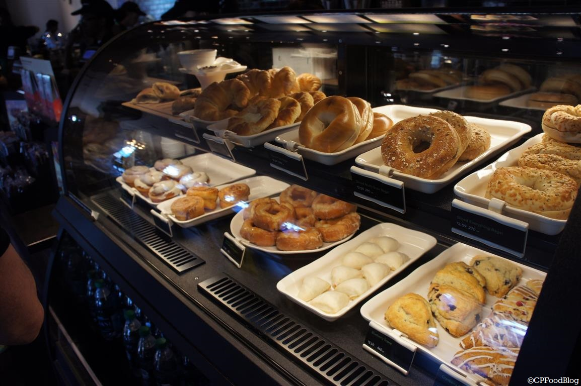 140525 Cedar Point Starbucks Pastry Cases (3)