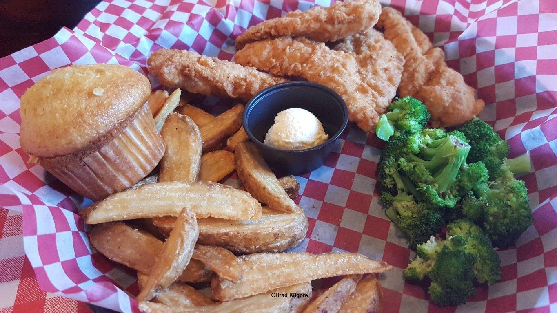 170507 Cedar Point Famous Dave's Chicken Tenders ©Brad Kilgore