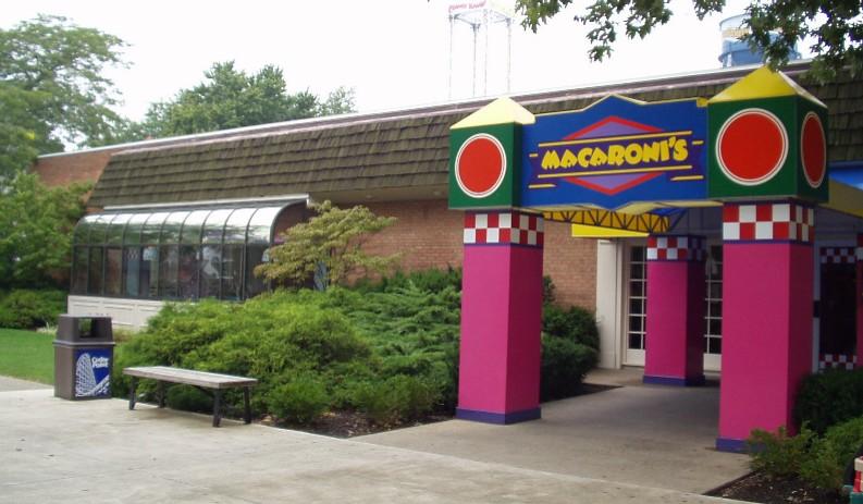 Cedar Point Macaroni's ©Andrew Hyde (@OnlineHyde)