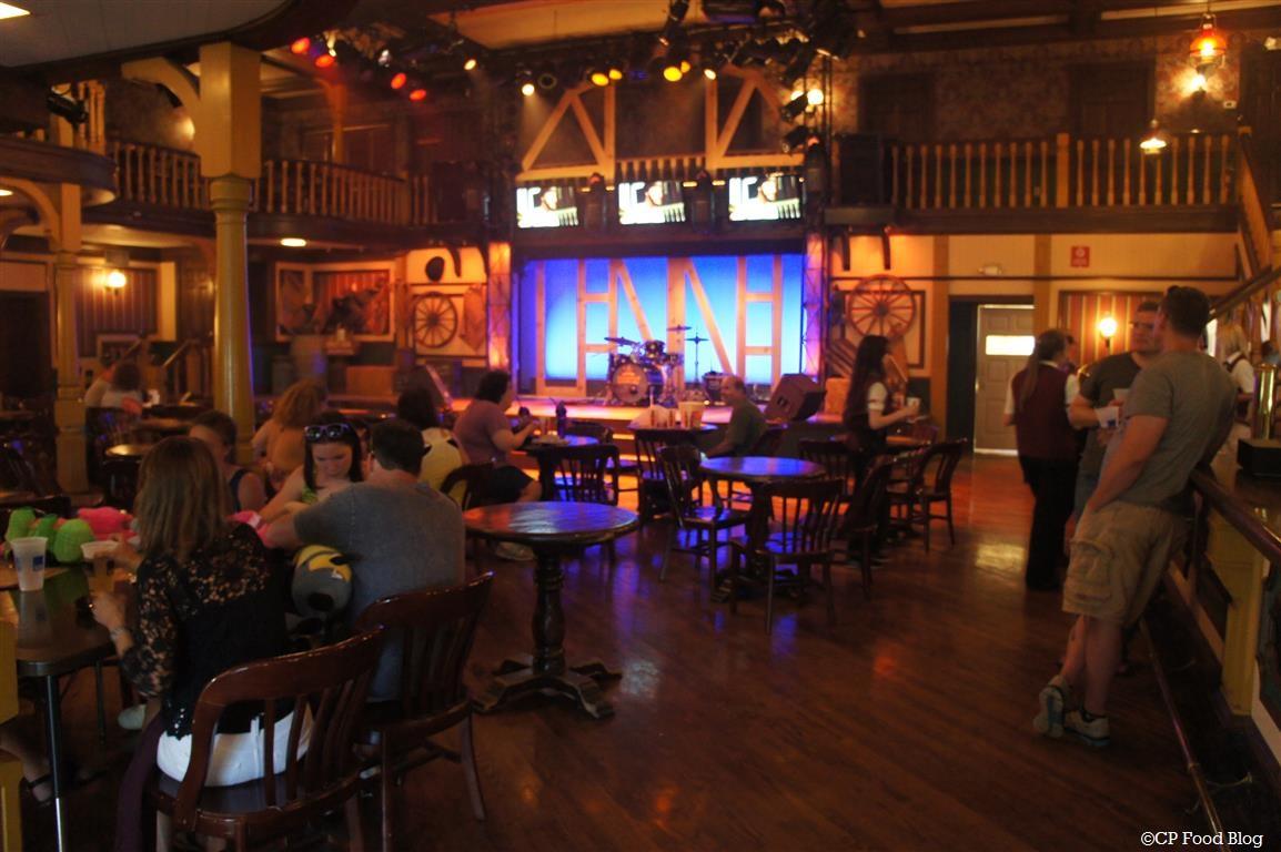 140524 Cedar Point Red Garter Saloon Interior (2)
