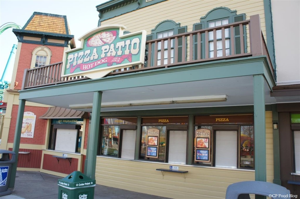 140508 Cedar Point Pizza Patio