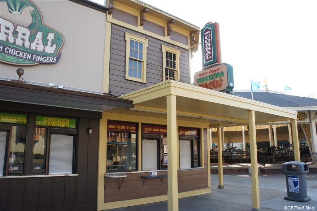 140508 Cedar Point Senor Vargas' Walking Taco