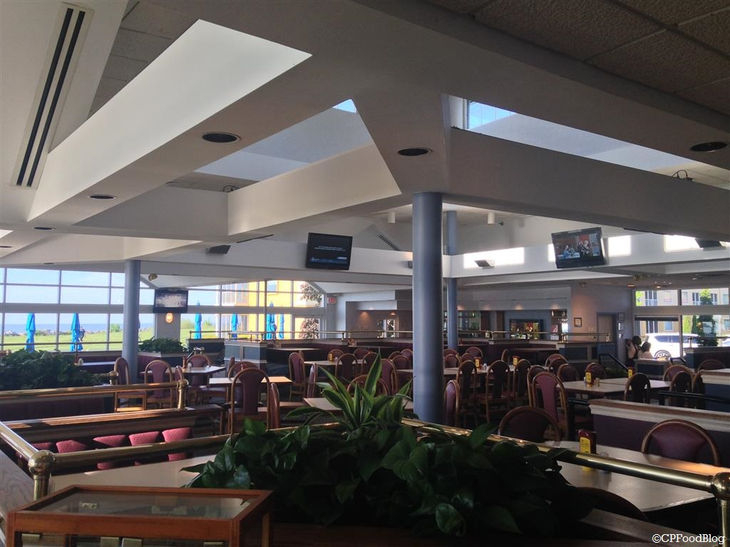 140525 Cedar Point Breakwater Cafe Interior (4)