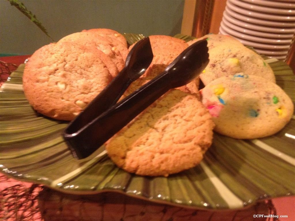 150130 Castaway Bay Mango Mike's Dinner Cookies