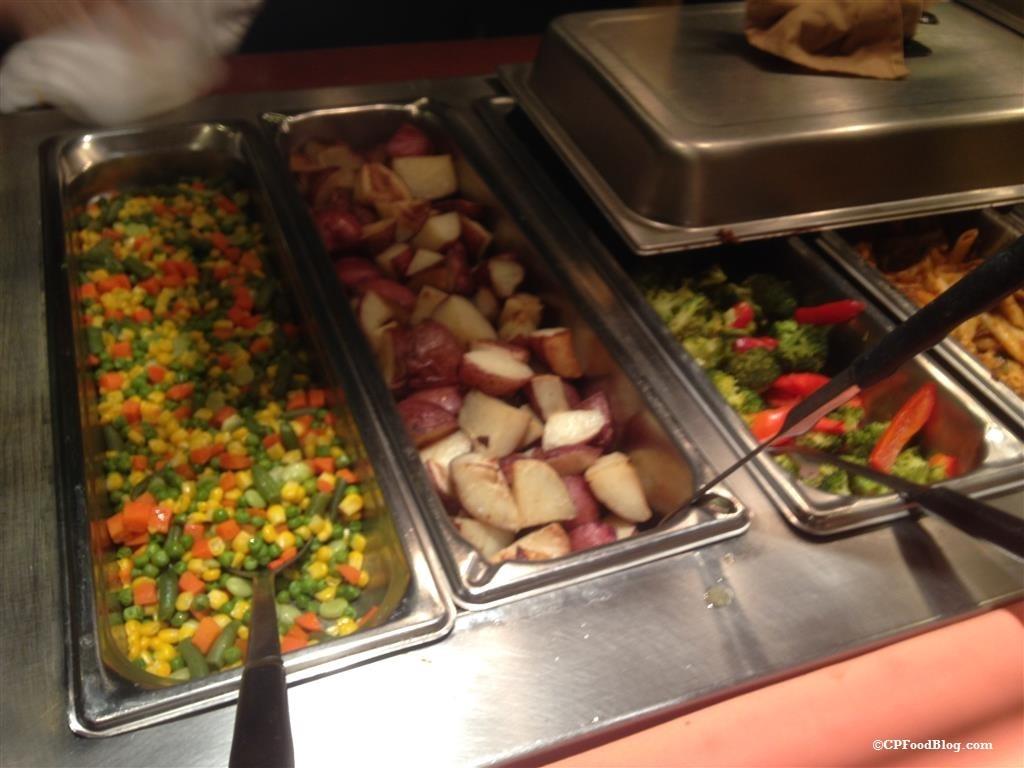 150130 Castaway Bay Mango Mike's Dinner Vegetables