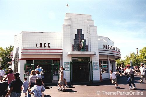 Kings Island Preston T. Tuckers Roadside Cafe ©WorldsofFun.org