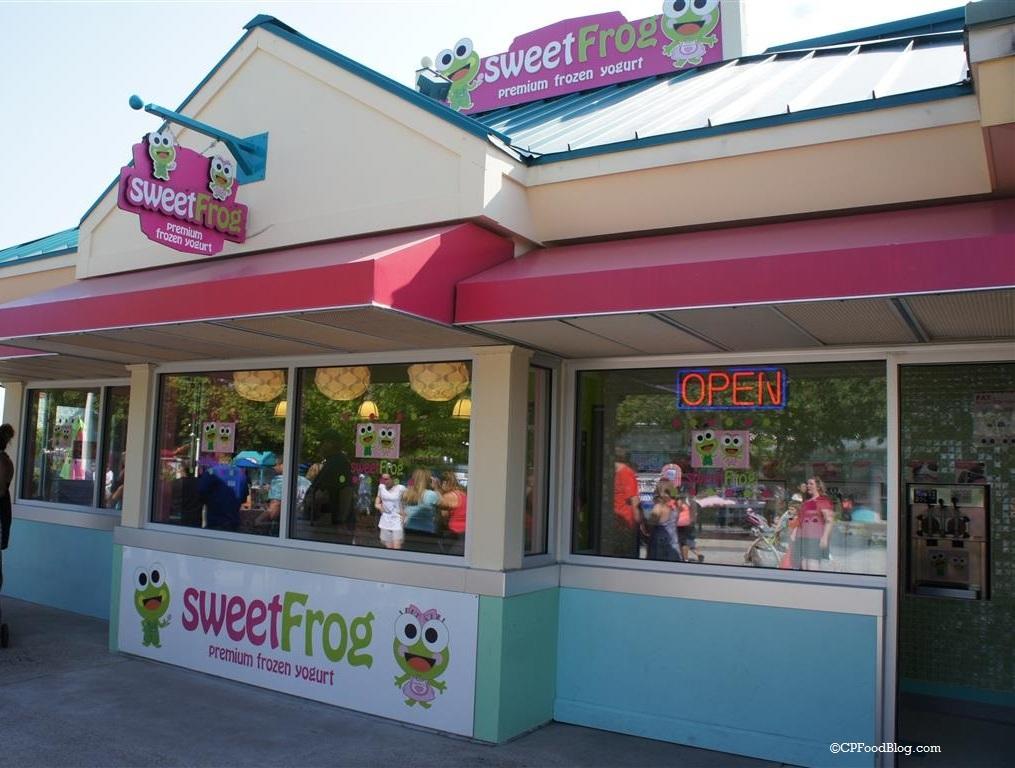 150905 Dorney Park Sweet Frog Frozen Yogurt