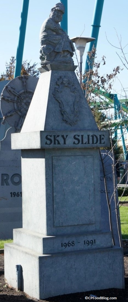 151025 Cedar Point Ride Graveyard (16)