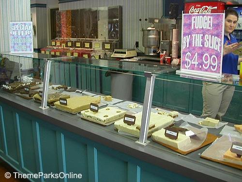 Kings Island International Street Candy Shop ©WorldsofFun.org (4)