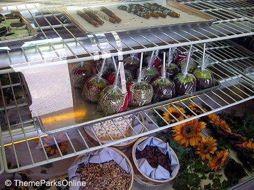 Kings Island International Street Candy Shop ©WorldsofFun.org (5)