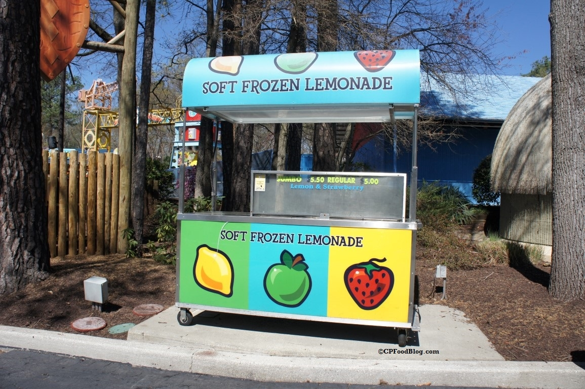 160330 Kings Dominion Soft Frozen Lemonade Stand