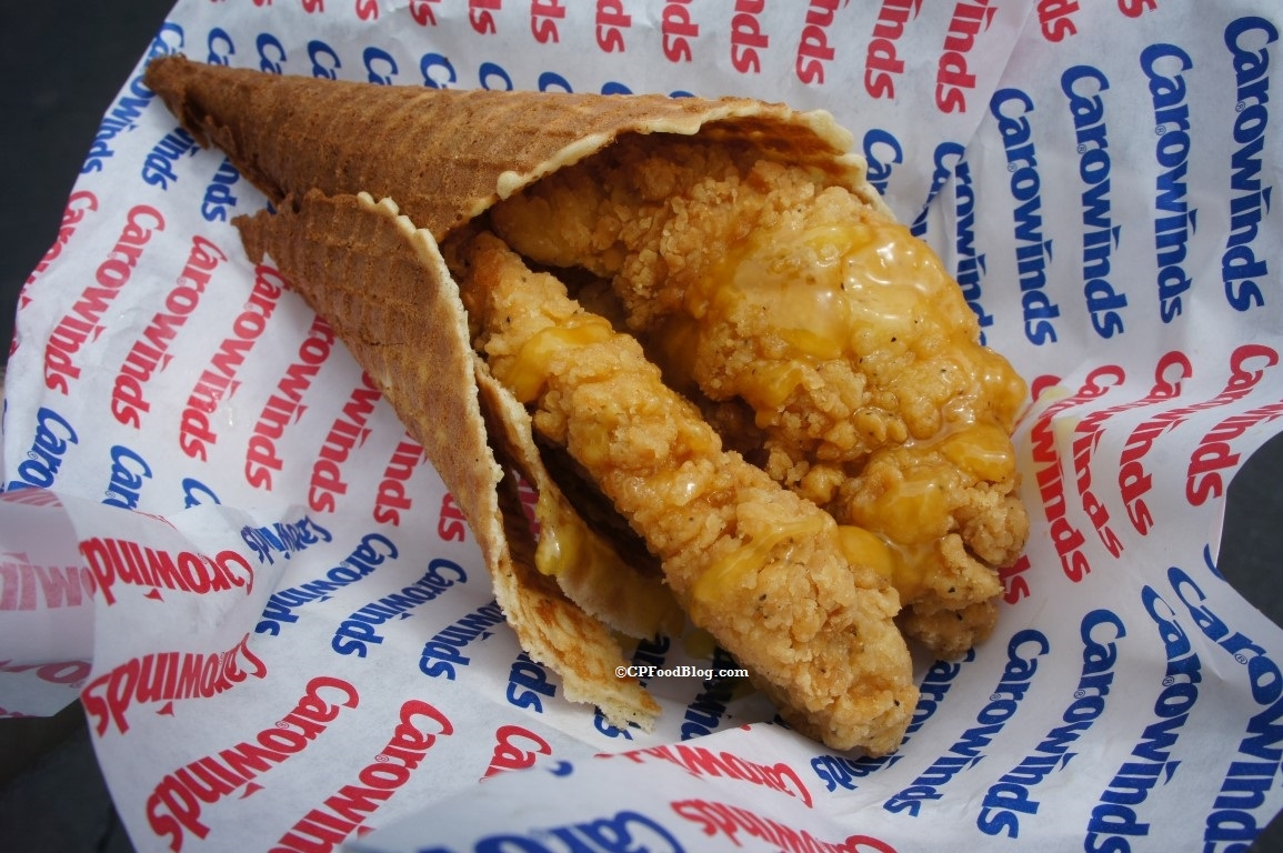 160401 Carowinds Chicken and Waffles (1)