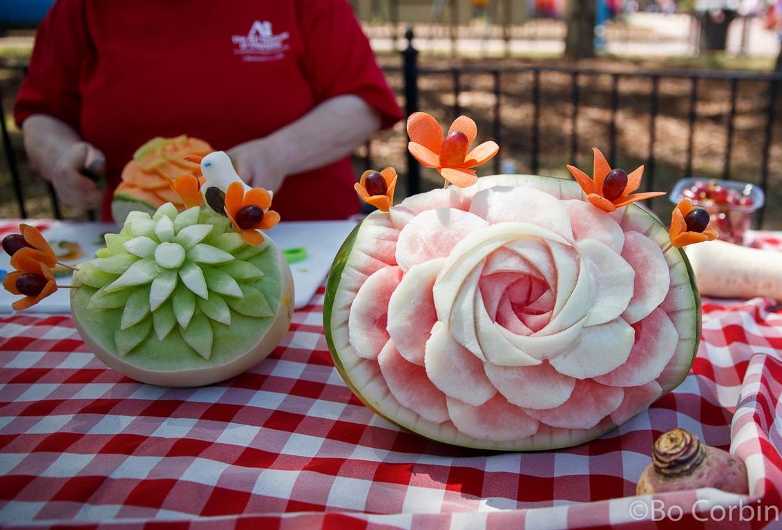 160416 Carowinds Taste of the Carolinas Fruit Carvings ©Bo Corbin