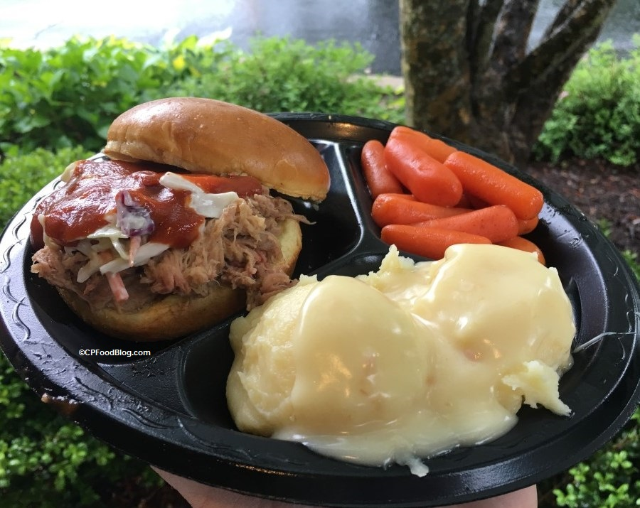 170512 Kings Dominion Country Kitchen BBQ Pork Sandwich (2)