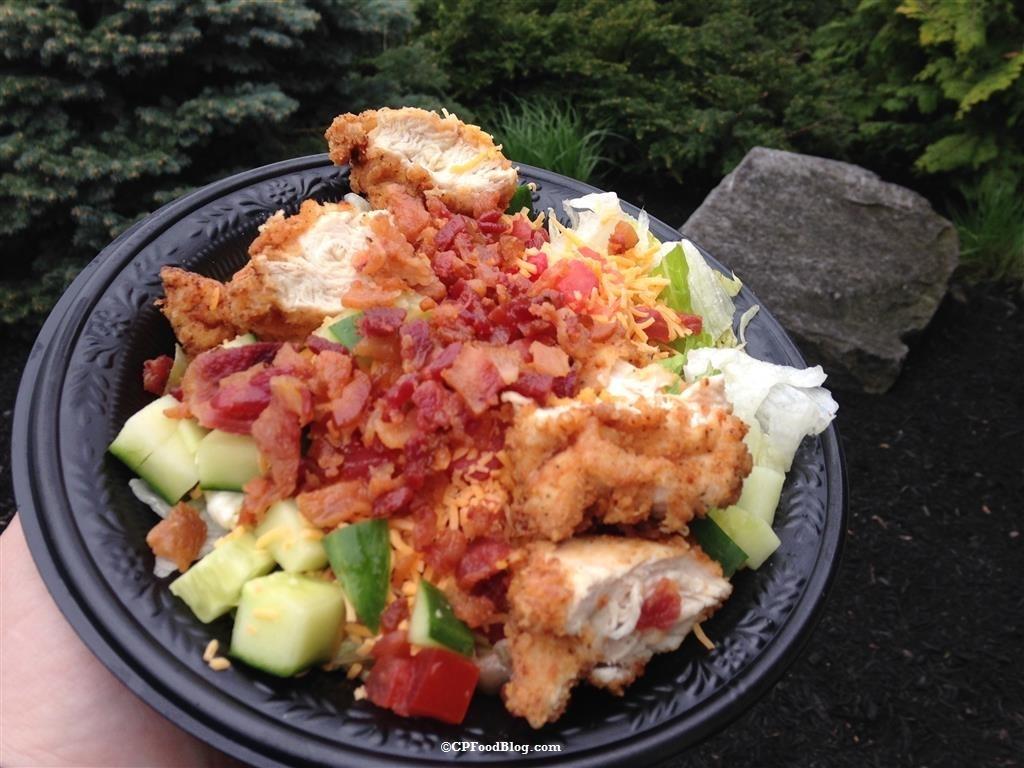 160430 Cedar Point Frontier Inn Crispy Chicken BLT Salad (2)