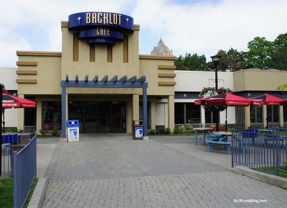 150718 Canada's Wonderland Backlot Cafe