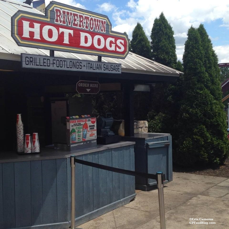 160607 Kings Island Rivertown Hot Dogs