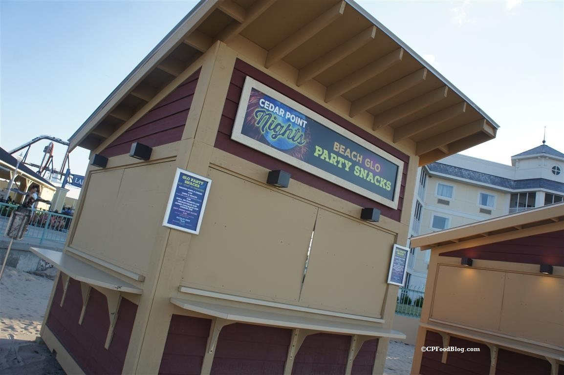 160715 Cedar Point Nights Beach Snacks Stand