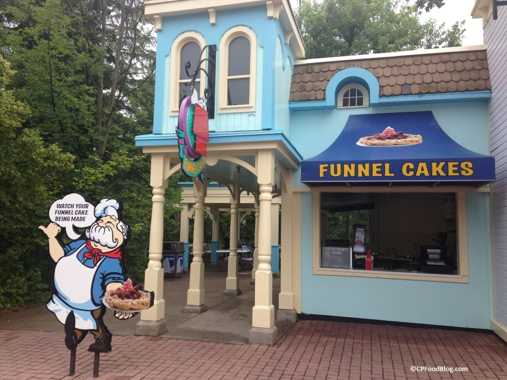 150717 Canada's Wonderland Planet Snoopy Funnel Cakes