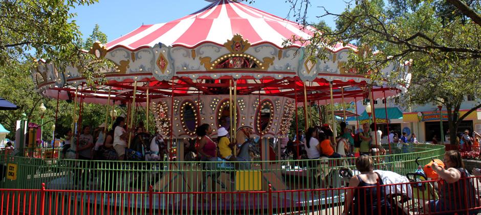 Canada's Wonderland Character-Carrousel