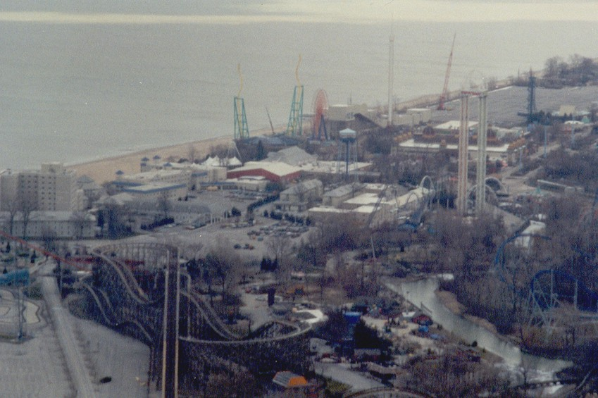 010401 Cedar Point Top Thrill Dragster Construction