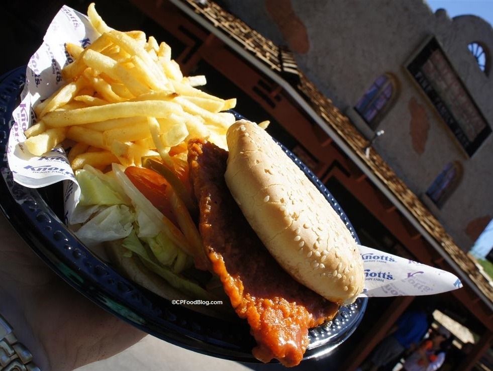 160419 Knott's Berry Farm Sutter's Buffalo Chicken Sandwich (2)