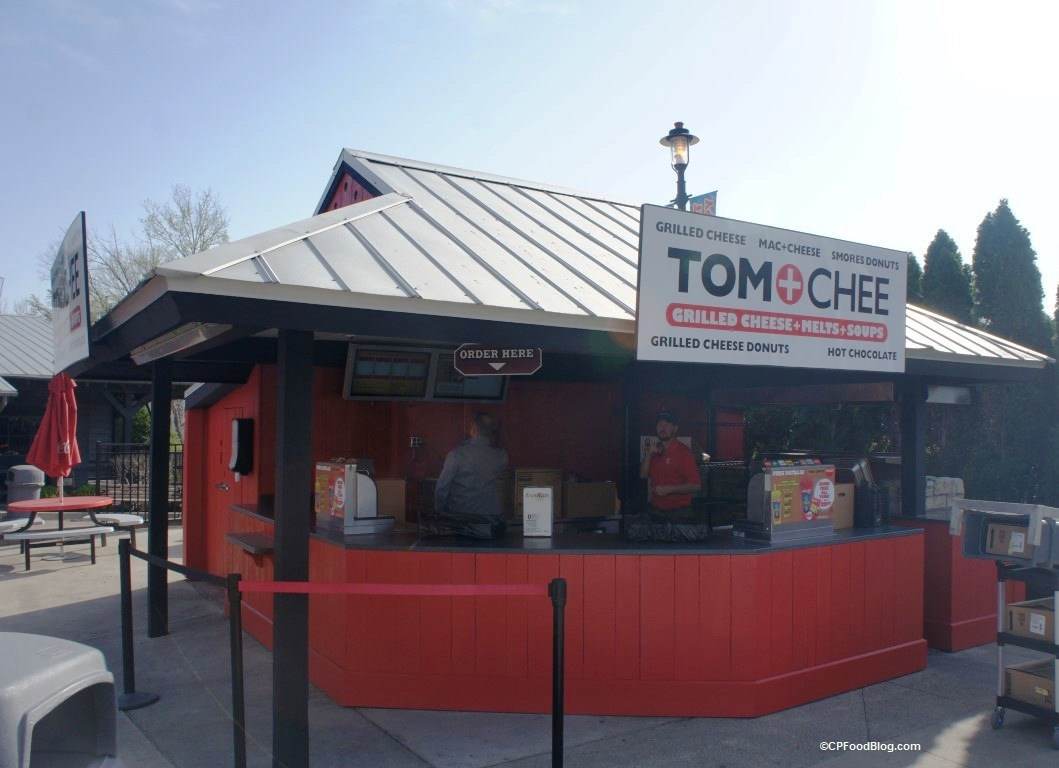 170413 Kings Island Tom + Chee