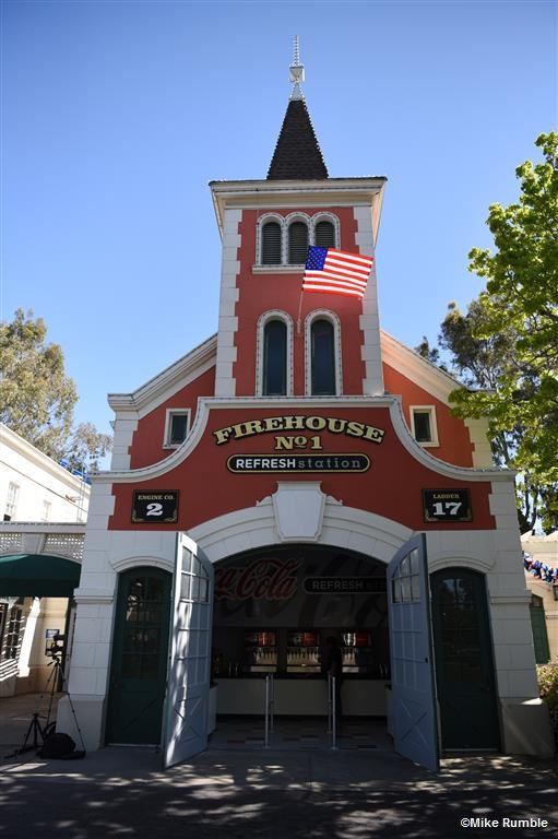 170331 California's Great America Firehouse No. 1 Refresh Station ©Mike Rumble