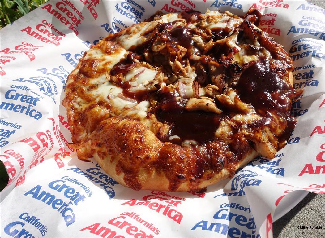 170430 California's Great America Pizza Company BBQ Chicken Pizza (2)