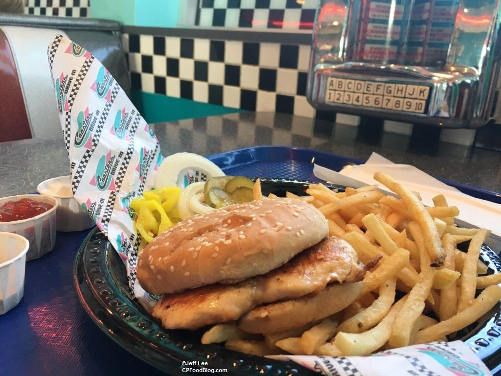 170512 Knott's Berry Farm Coaster's Drive-In Grilled Chicken Sandwich ©Jeff Lee (3)