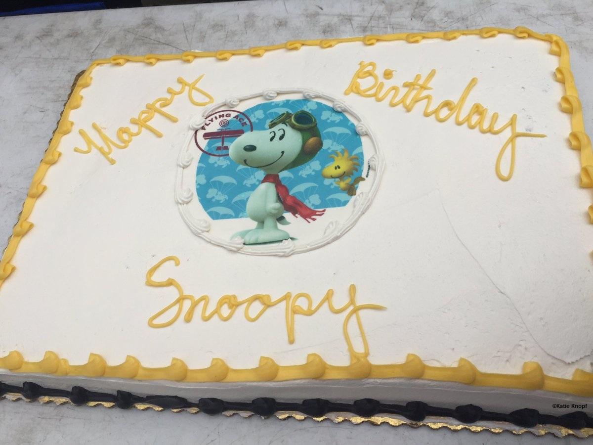 160810 Dorney Park Snoopy Birthday Cake ©Katie Knopf
