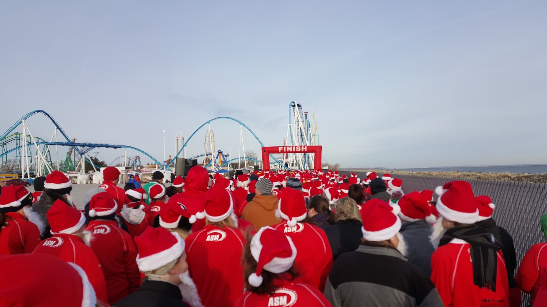151220 Cedar Point Santa Hustle ©Brad Kilgore