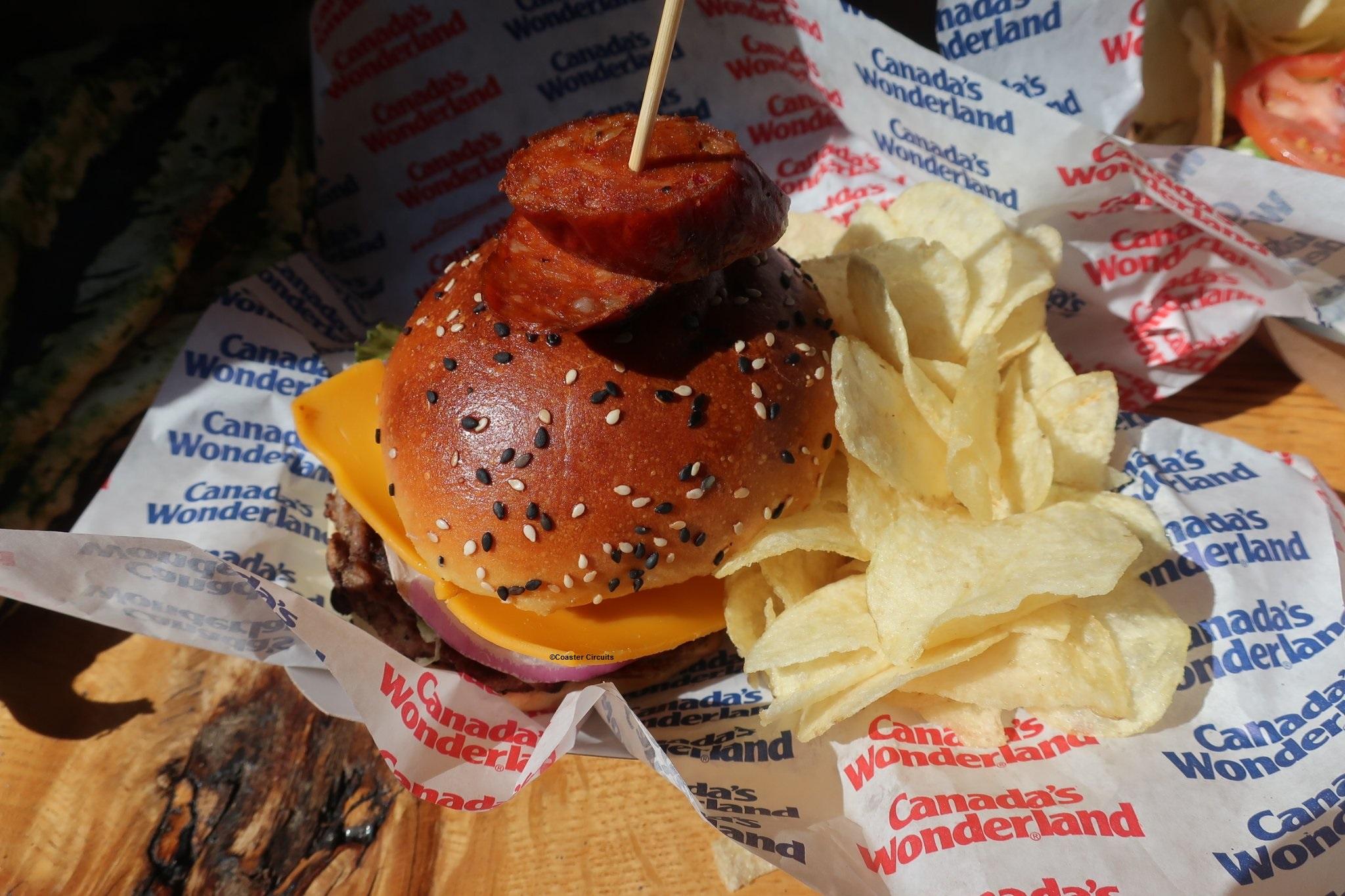 170930 Canada's Wonderland Haunt Muskoka Axe Murderer Burger ©Coaster Circuits