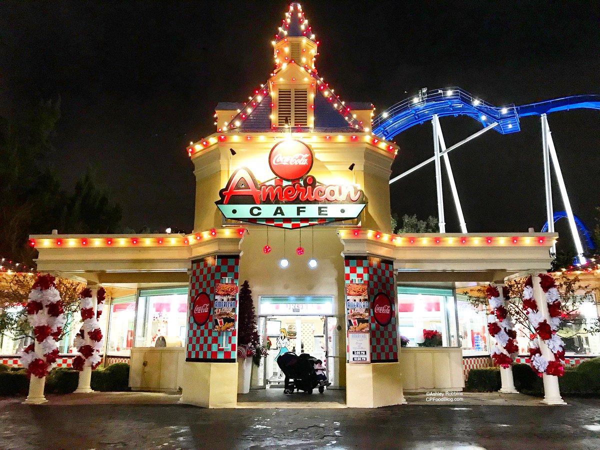 171126 California's Great America Winterfest American Corners Christmas Café ©Ashley Robbins