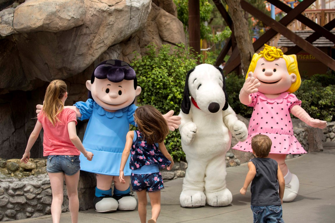 2. Knott's Peanuts Celebration - Weekends and Presidents Day January 28 - February 25, 2018