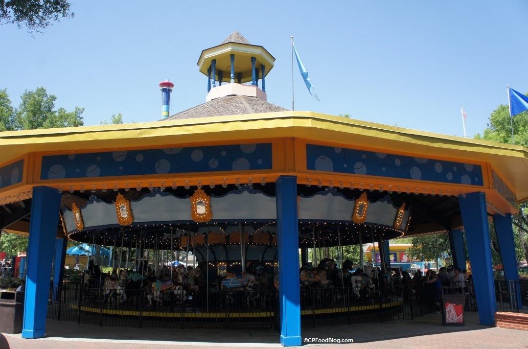 170421 Carowinds Character Carousel